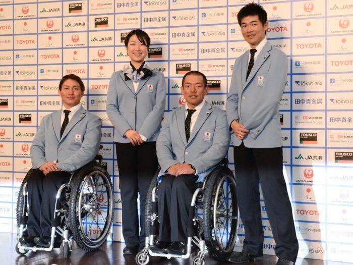 記者会見に参加した選手たち。左から、主将・森井大輝(アルペンスキー)、太田渉子(クロスカントリースキー/バイアスロン)、狩野亮(アルペンスキー)、新田佳浩(クロスカントリースキー/バイアスロン)