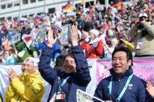 日本チームが集まるスタンド