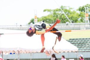 鈴木徹の走り高跳び・T44。198cmをクリアした跳躍