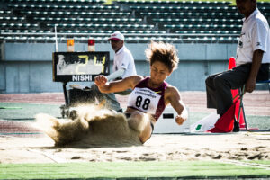女子走幅跳で中西麻耶(T44・下腿切断/大分県身障陸協)が5m27を跳び、アジア新記録を更新した