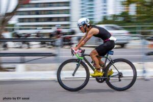 得意のバイクはカラダにいつものキレがない事を感じた 写真提供:Ernesto Yoshihiro Sasai
