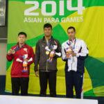 男子100M背泳ぎS14表彰式