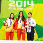 女子100M背泳ぎS9の表彰式