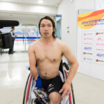 最後の男子50M平泳ぎS5で金メダルを獲得した鈴木孝幸