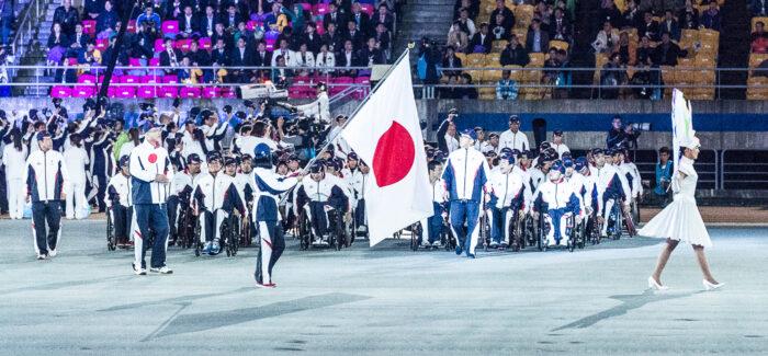 開会式の日本選手団入場行進