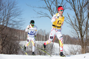 2月17日、クラシカル・ロング(20km)を走る、ブライアン・マッキーバー(左)とガイドのグラハム・ニシカワ(右) 写真:越智貴雄