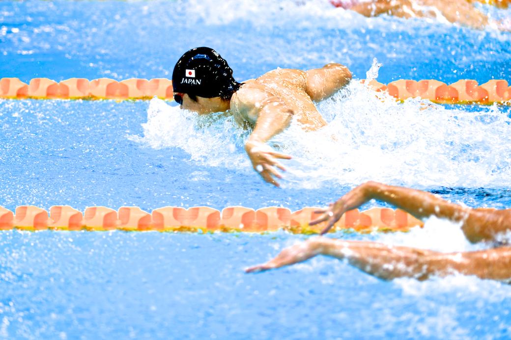 200メートル個人メドレーS11でバタフライのパートを泳ぐ木村敬一。