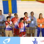 津川の決勝を見守るコーチ陣