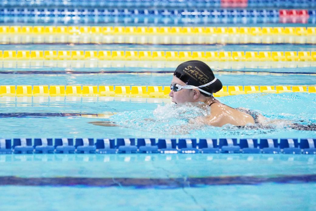 成田真由美(下半身まひ・横浜サクラ)今シーズンから競技の舞台へ復帰した。女子100メートル平泳ぎSB4で自己ベスト 写真:西川隼矢