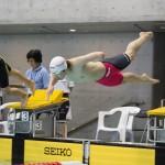 50メートル自由形S9のスタート、山田拓朗(左腕欠損・NTTドコモ)