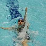 一ノ瀬メイ(左腕欠損・近畿大学)200メートル個人メドレーS9、背泳ぎへのターン