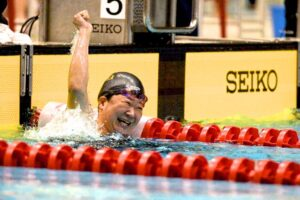 50M自由形を泳ぎ終えた、成田真由美(横浜サクラ)