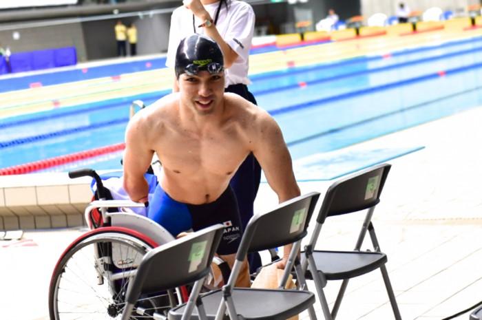 鈴木孝幸(GOLDWIN)200メートルのレース後 写真・佐々木延江