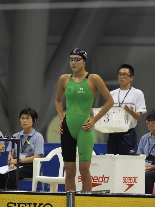 100メートル平泳ぎ前の池愛里(峰村PSS東京) 写真 西川準矢