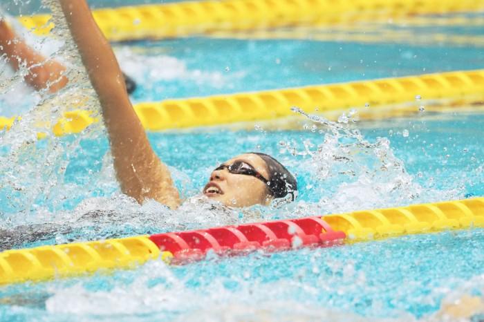 池愛里(峰村PSS東京)100メートル背泳ぎ 写真・西川隼矢