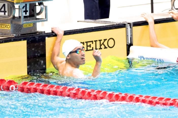 津川拓也(ANAウィングフェローズ・ヴィ王子)100メートル背泳ぎ 写真・西川隼矢