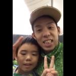高田選手のご主人(高田裕士さん・ろう者)と息子さん リオに向かう機内から離陸直前にテレビ電話で手話で取材