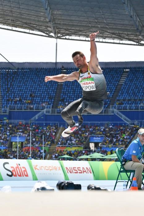 パラリンピック記録を更新して金メダルを獲得したポポウ 写真・三浦宏之