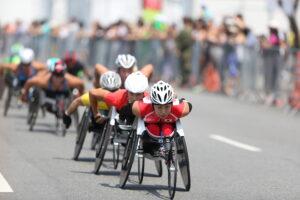マラソン:車いすは男女でメダルを逃す