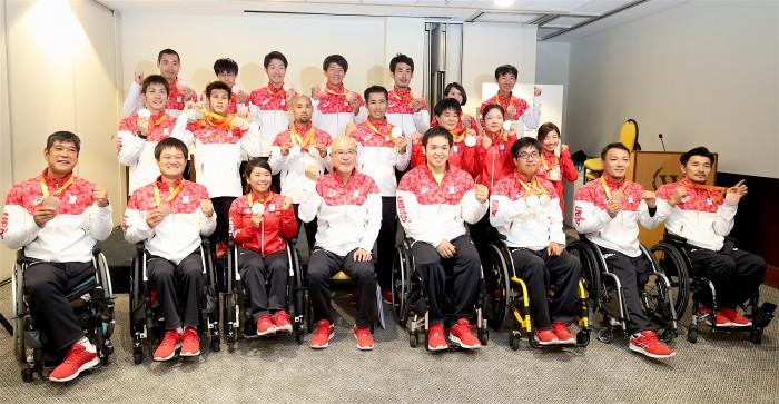 日本選手団解団、2020への決意を固める