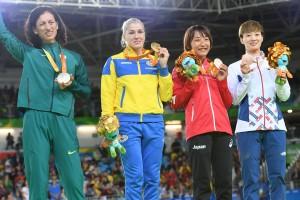 写真=視覚障害柔道、日本人女子では初のメダル獲得を果たした銅メダルの廣瀬順子(左から3人目) 撮影・山下元気