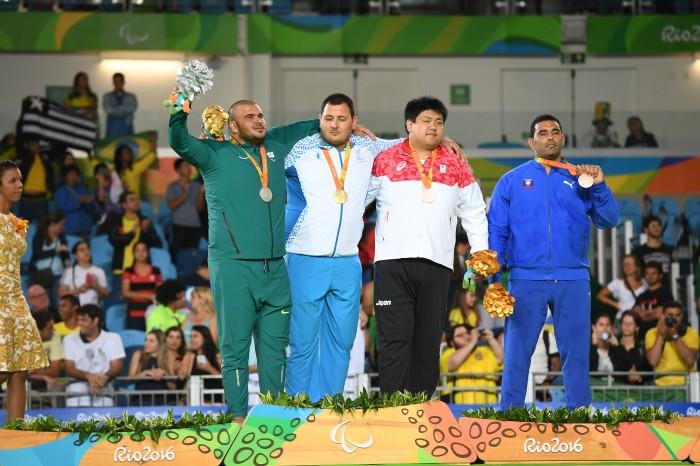 表彰式。日本の柔道100kg超級・正木健人は銅3位決定戦で銅メダルを獲得 写真・山下元気