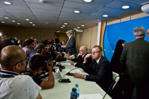 9月17日21時すぎにアクアティクスセンター・プレスカンファレンスルームで行われた、フィリップ・クレーヴァン会長を含む記者会見に多くのジャーナリストが駆けつけた