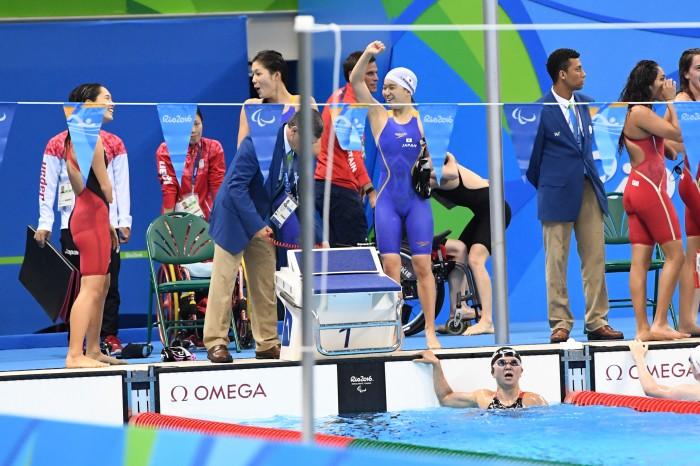 競泳:初出場した女子4×100Mメドレーリレー