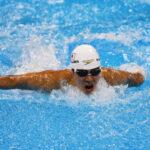 200メートル個人メドレー(S14)のバタフライを泳ぐ中島啓智