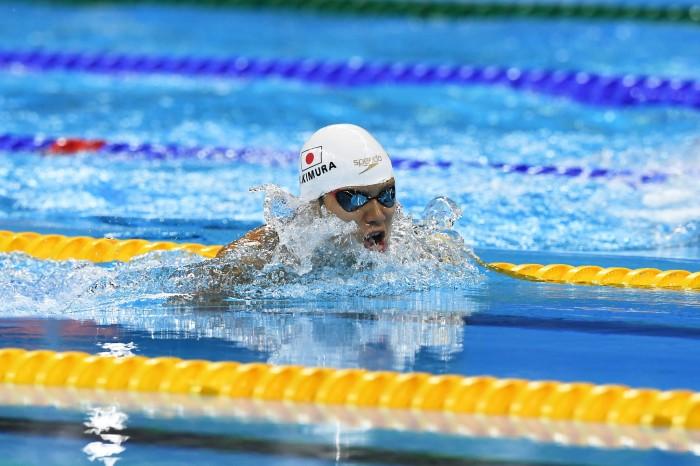100メートル平泳ぎ(S11)決勝を泳ぐ木村敬一
