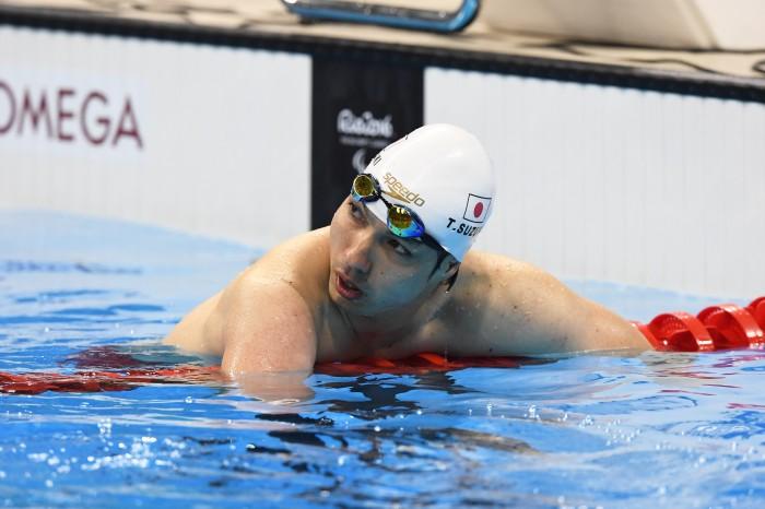 競泳:鈴木がメダル、WRを手放す!