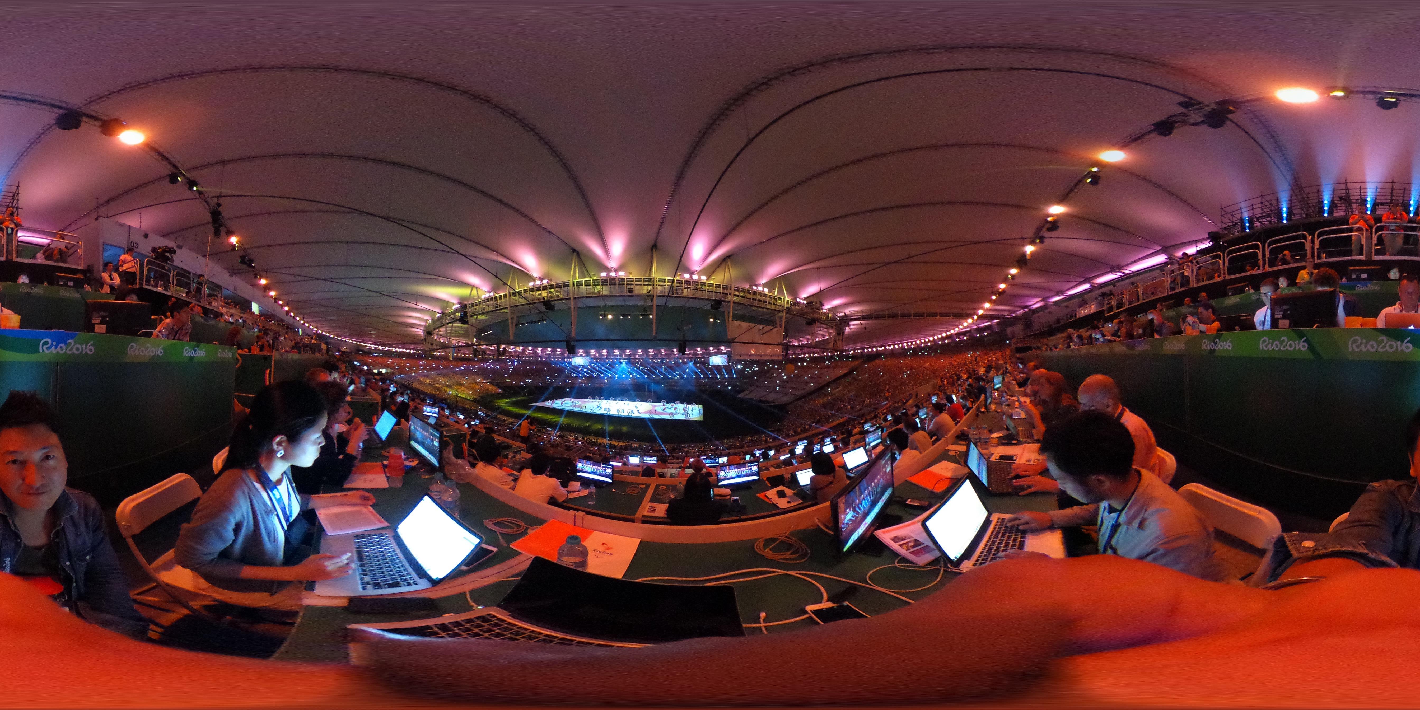 リオパラリンピック開幕! 幻想的な開会式の興奮を360度カメラで