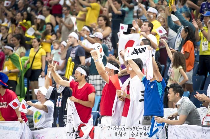 日本を応援する観客席 写真・山下元気