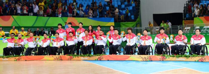 カナダ戦に勝ち、銅メダルを獲得した日本代表 写真・山下元気
