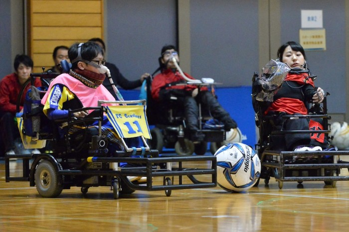 10キロカテゴリー決勝戦で対戦するFCクラッシャーズ・飯島(左)と横浜クラッカーズ・永岡(右)