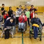 地元の小学生とサッカー交流