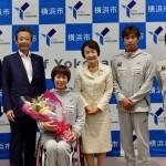 6月19日、林文子横浜市長を訪問した土田和歌子と競技スタッフ