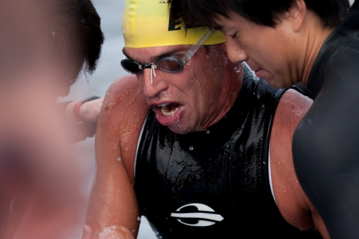 2013年5月12日、横浜トライアスロン・パラトライアスロンでのマルセロ・コレット。750メートル10分台という水泳出身選手ならではの圧倒的なタイムでスイムアップした 写真・佐藤亮
