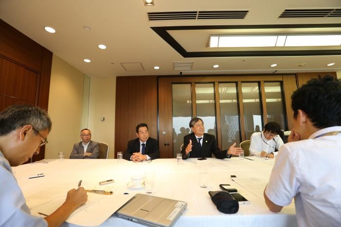 7月5日、アジアパラリンピック委員会の定時理事会が京王プラザホテルで開催され、記者への報告が行われた。進行は日本障がい者スポーツ協会 写真・内田和稔
