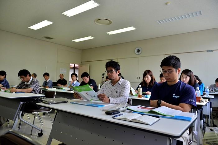 2日目、教材の使い方ワークショップが行われた