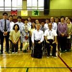 「心のバリアフリー授業」を実施した運営スタッフ、星加良司先生を囲んで