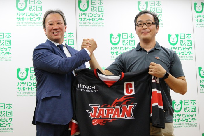 9月25日、最終決戦に向けた記者会見で、左から日本代表チーム中北浩仁監督と須藤悟キャプテン