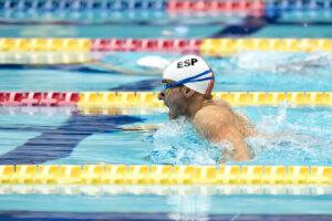 鈴木孝幸と競い合うスペインの王者ミゲル・ルカ。50メートル平泳ぎ(SB3)でのライバルどうし 写真・山下元気