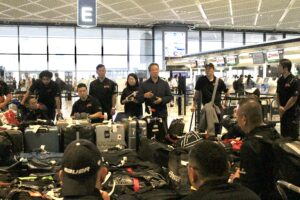 10月4日朝、成田空港に集合した日本代表チーム