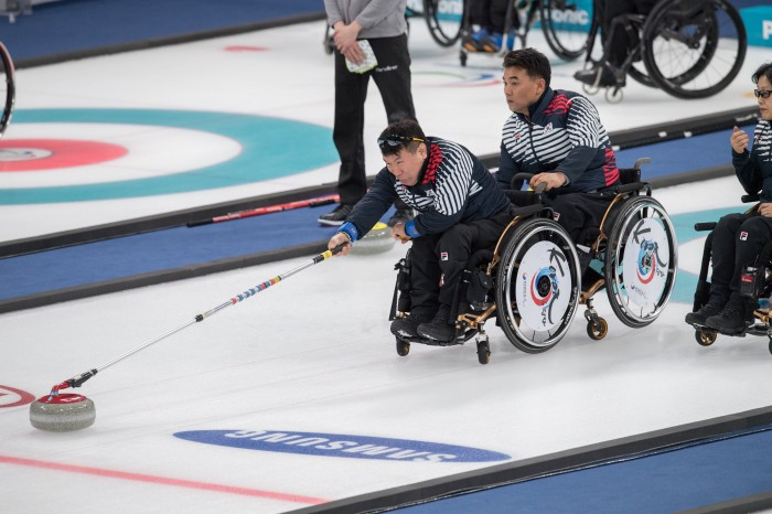 江陵ホッケーセンターで行われている試合。韓国は明日カナダと3位決定戦に臨む(写真・矢野信夫)