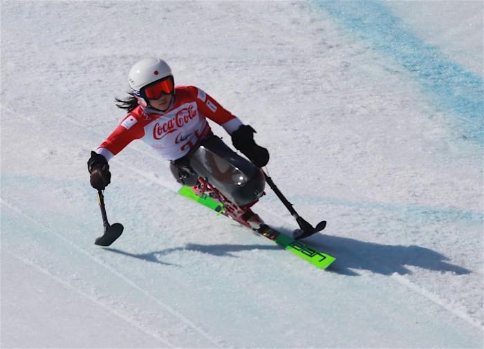 村岡桃佳がスーパーコンビ女子座位で銅メダル 今大会3つ目