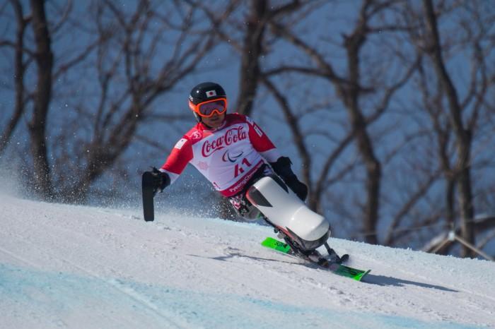 3月10日、ダウンヒル男子シッティングクラス 森井大輝 銀メダルの滑り 写真・堀切功