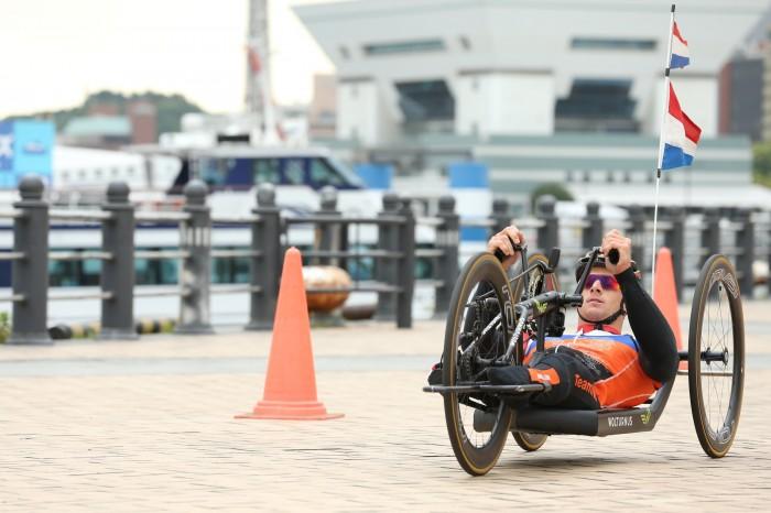 午前中のバイクトレーニングの様子 写真・内田和稔