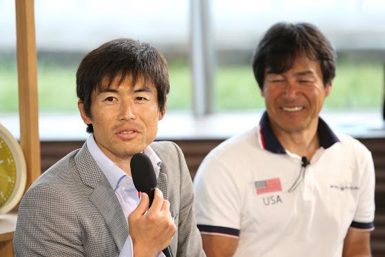 佐藤圭一(PTSC・エイベックス)を迎えてのトーク。右はレギュラー・コメンテーターを務める野島弘(トリノパラリンピック・チェアスキー日本代表) 写真・内田和稔