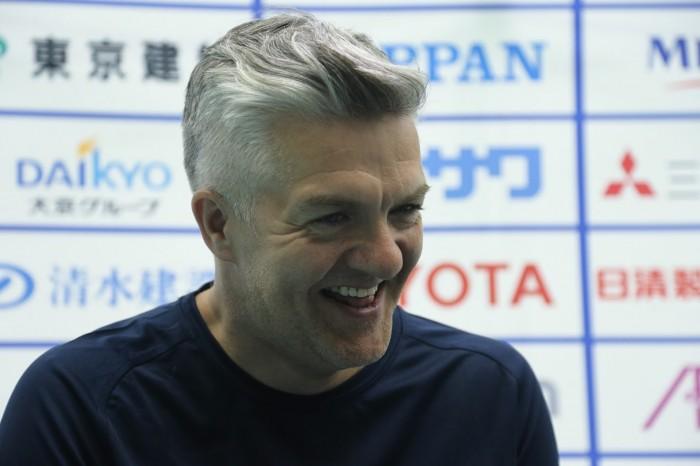 イギリスのヘッドコーチ・Paul Shaw。リーグ戦の感想は「疲れたよ」。日本との熱い優勝決定戦を誓った (写真・内田和稔)